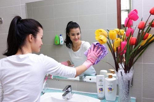 Vệ sinh sạch sẽ là cách diệt côn trùng trong nhà vệ sinh hiệu quả nhất